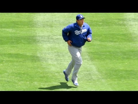 Hyun-jin Ryu Early Pregame Warmups Today 8-31-2014