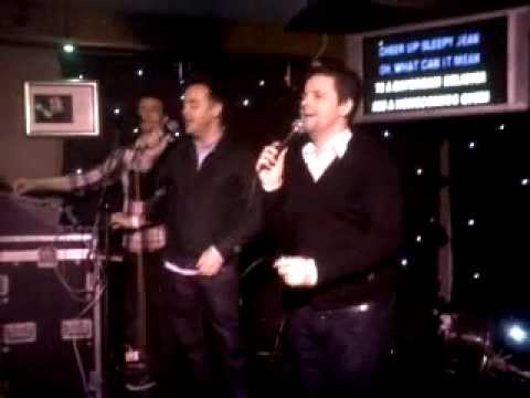 Ruis bar vilamoura Ant n Dec Singing Daydram believer