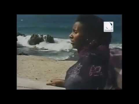 Somalia has best singers in the world! Mogadisho Beach 1982. Love Song thumbnail