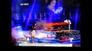 "Jenni Rivera Funeral Service ~Jackie Le Canta A Su Madre ""Tu Estas"