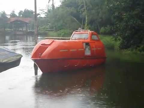 Trial - Totally Enclosed Lifeboat type Gravity at FOCUS Maritime Training Center (1)