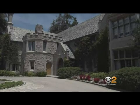 With Hugh Hefners Passing, Who Will Move Into The Playboy Mansion?