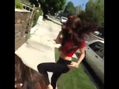 Mujeres se Dan un beso!! :O