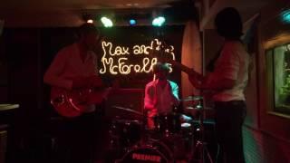 Max and the McForelles - Das Model (live @ Kon-Tiki)
