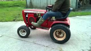 Wheel Horse C-121 ride on tractor