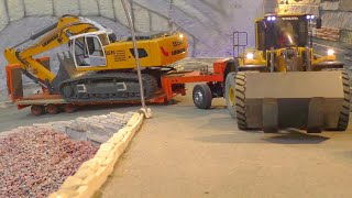 HEAVY CONSTRUCTION MACHINES! Heavy RC  transport from the 60t excavator