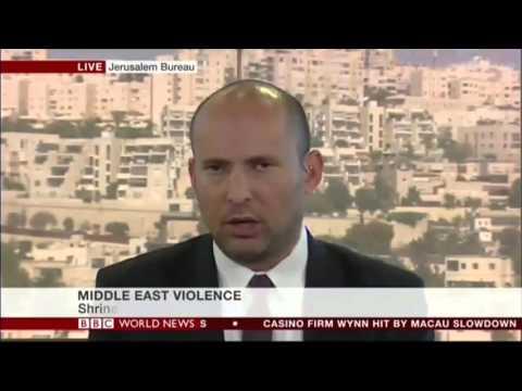 """בנט לערוץ הביביסי: """"כשטרוריסט רץ לדקור אותך, אתה יורה בו, לא מדבר איתו"""""""