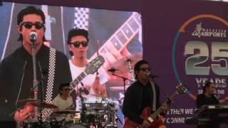 download lagu Live  Hujan - Lonely Soldier Boy gratis
