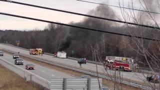 download lagu Hummer Truck Fire On I-93 Feb. 4, 2016 gratis
