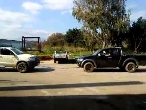 TOYOTA HILUX  144HP VS MITSUBISHI L200 167 HP SAFARI