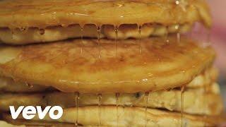 Watch Kreayshawn Breakfast video