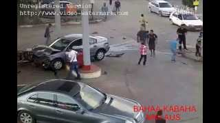 Car destroys Gas Station in China [Most Dangerous Videos]