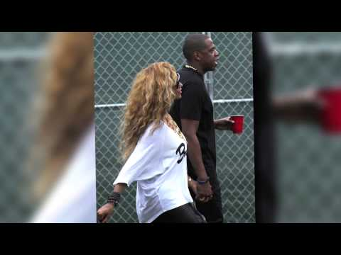 Beyonce Plays the Supportive Wife at Jay-Z's Concert as Kim Kardashian Keeps Her Distance