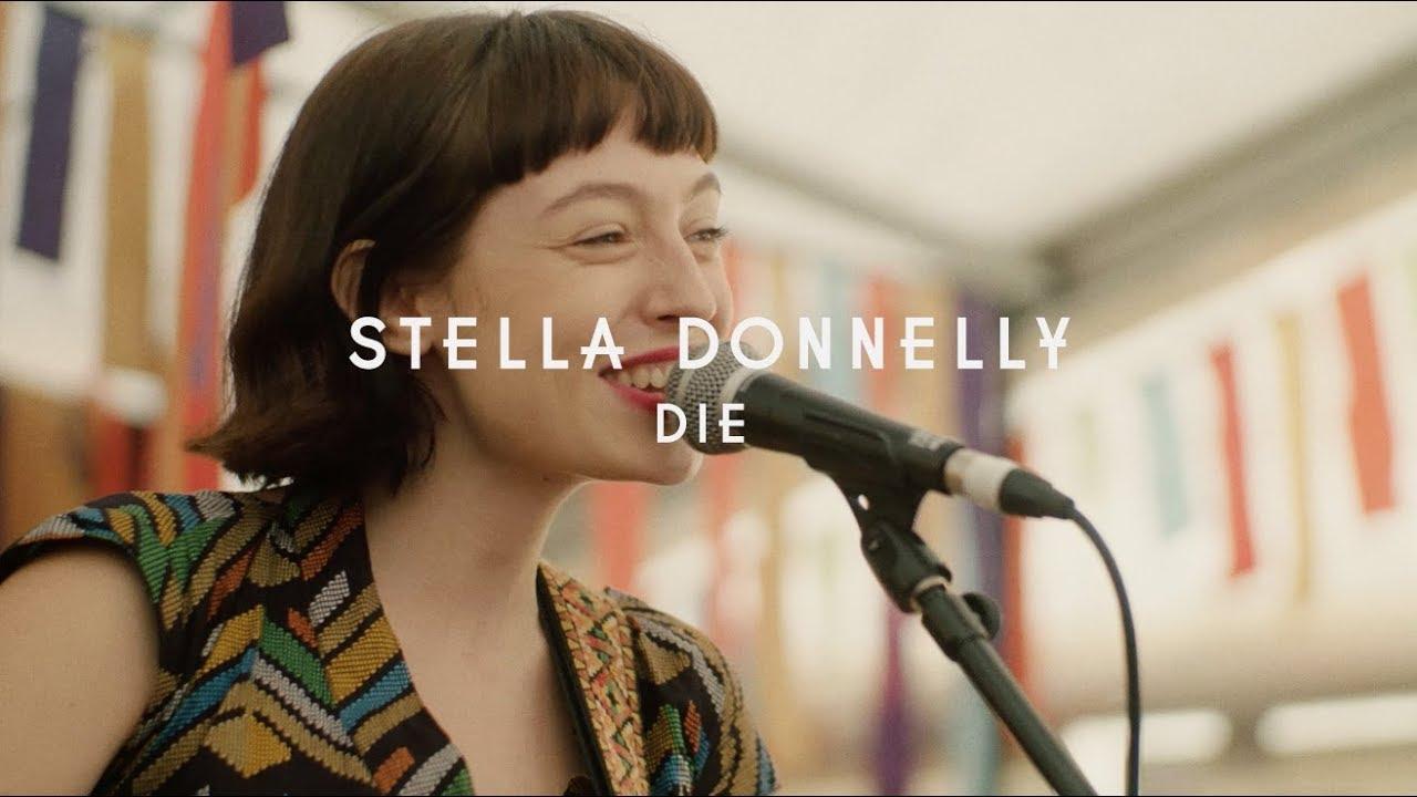 """Stella Donnelly - 「Green Man Festival 2019」から""""Die""""のライブ映像を公開 thm Music info Clip"""