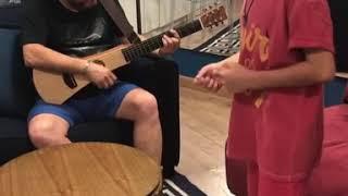 IMPRESSIONANTE!! Filho do Bruno cantando (Enzo Rabelo)