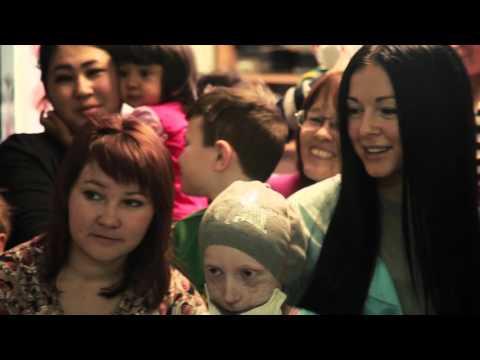 Нюша навестила детей в РДКБ