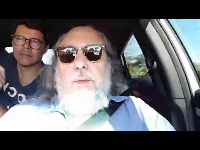 No carro, chegando em Brumadinho.