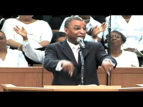 Pastor Soaries directing choir