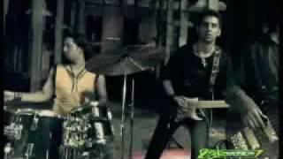download lagu Raeth Tumhare Liye Bheegey Se Gesu Hai gratis