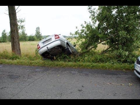 Wypadek Osobowej Skody Między Miejscowościami Charnowo, A Gałęzinowo - 13.07.2018