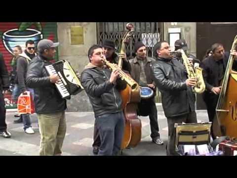 Уличные музыканты - street music