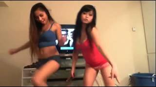Hot asian chicks dancing at home