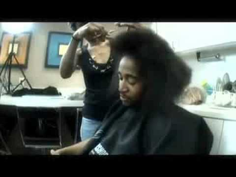 Omarion Kuts His Hair!!! - YouTube