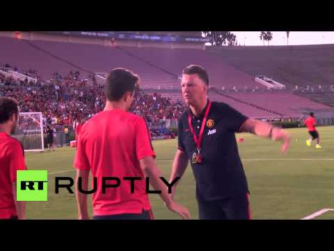 USA: Van Gaal oversees Man Utd training at start of tour