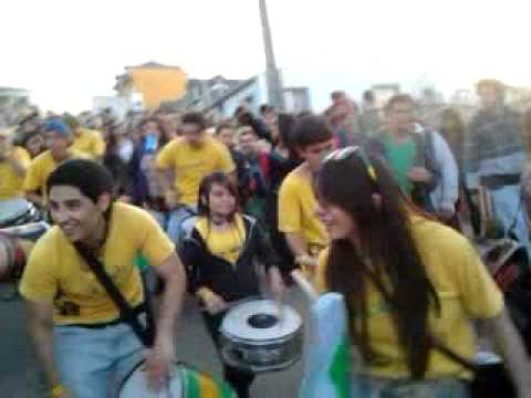 Aires de brasil rompiendola en mil tambores 2012