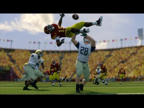 GameSpot Reviews - NCAA Football 14