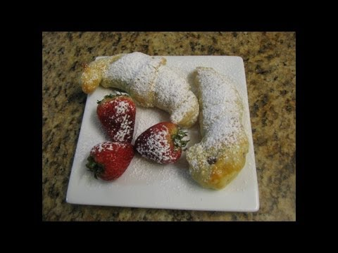 Hazelnut Crescents - Lynn's Recipes