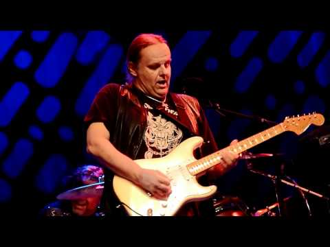 Walter Trout - In memory of Walter's Mother @ Mezz 2012 - 04