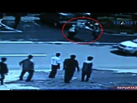 download lagu Aksi Begal Di Surabaya Tertangkap CCTV S gratis