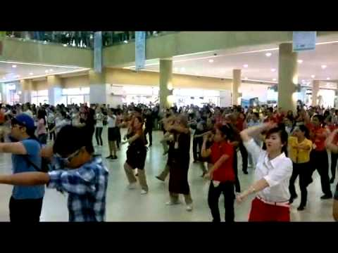 HTU MOB DANCE: Robinson's Place Palawan.