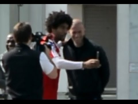 Dante making a photo with Zinedine Zidane and Claude Makelele | Pep Guardiola