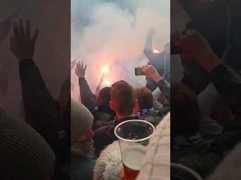 Pyro Technik im Spiel Hertha vs Dortmund