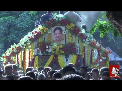 Tamil Film Industry Pays Tearful Tribute to 'Aachi' Manorama thumbnail