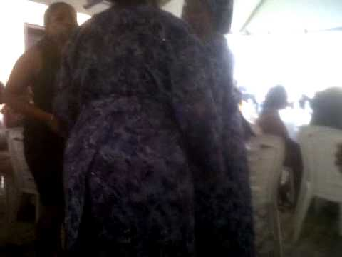 nigerian women dancing