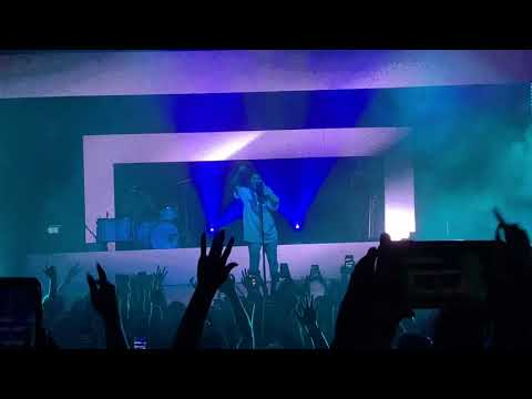 Download Chelsea Cutler - Your Shirt - How To Be Human Tour - LIVE - Atlanta 2020 Mp4 baru