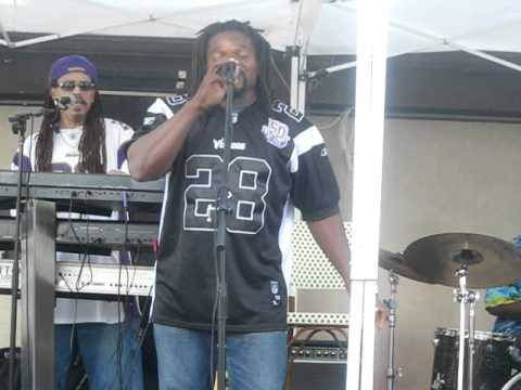 Ipso Facto @ Lake Minnetonka Juju Mc Farlane sings