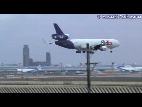 Crosswind Landing - by FedEx Express McDonnell Douglas MD-11(F) 【N587FE】