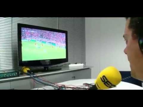 Roncero celebrando los goles del Real Madrid- Bayern Munich thumbnail
