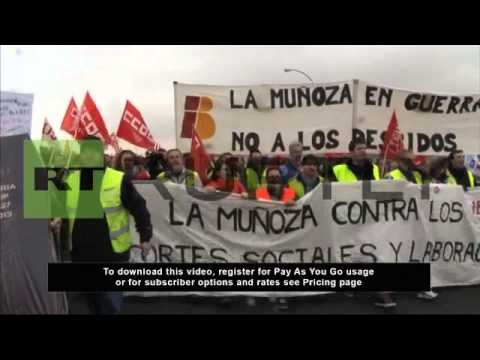 Spain: Iberia workers out in force to protest job cuts