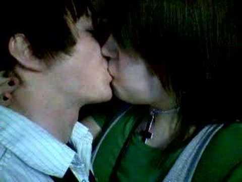 Emo Kissing video
