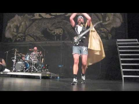 Killswitch Engage Adam Freestyling For Canada