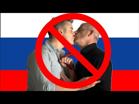 Russia Wants To Ban Gay People From Kissing In Public