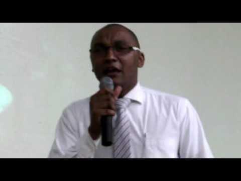 Elmiton Santos Pr�sidente do Canta Var�o  -  Adorando a Deus na un��o