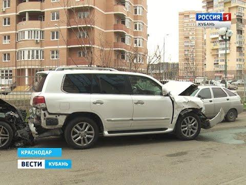 Массовое ДТП на парковке устроил пьяный водитель Porsche Cayenne