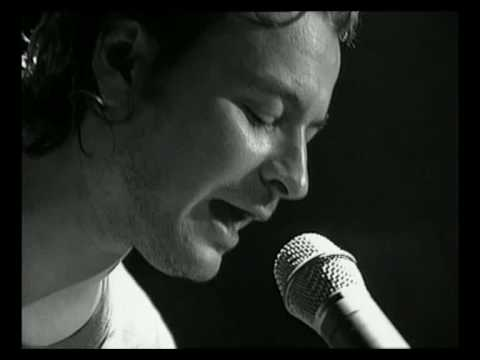 Manic Street Preachers - 4st 71b Acoustic version