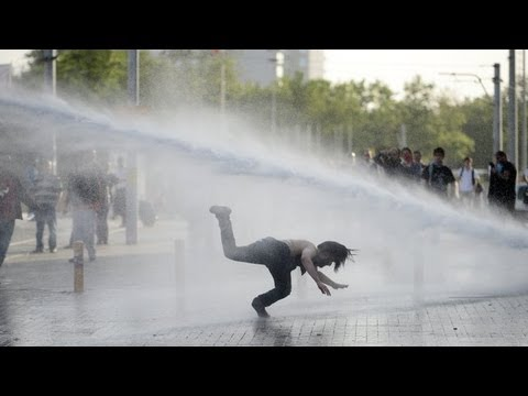 Brutal Violence as Turkish police clash with Istanbul park demolition protests